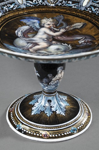 Decorative Objects  - Enamel cup signed Suzanne Estelle apoil Sevres mid 19th century