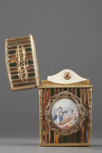 18th century - Gold panel and venis Martin writing case. Louis XV period.