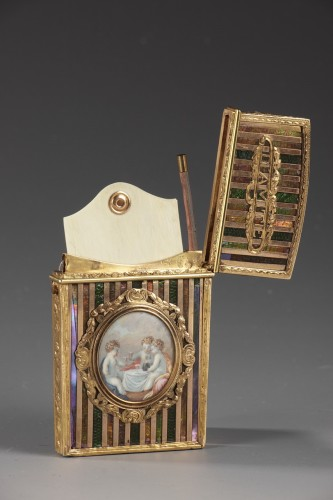 Antiquités - Gold panel and venis Martin writing case. Louis XV period.