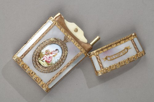 - Tablet case in gold with enamel, mother-of-pearl and ivory. 19th Century