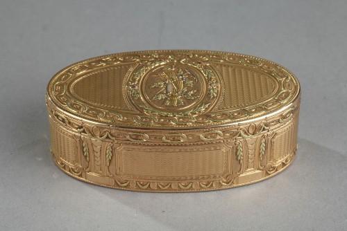 Louis XVI Gold snuff box. 1780.  - Objects of Vertu Style Louis XVI