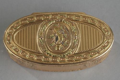 Objects of Vertu  - Louis XVI Gold snuff box. 1780.