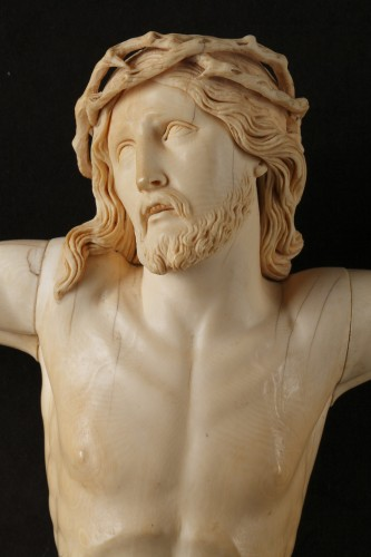 A 18th century carved ivory figure of the crucified christ  - Louis XVI