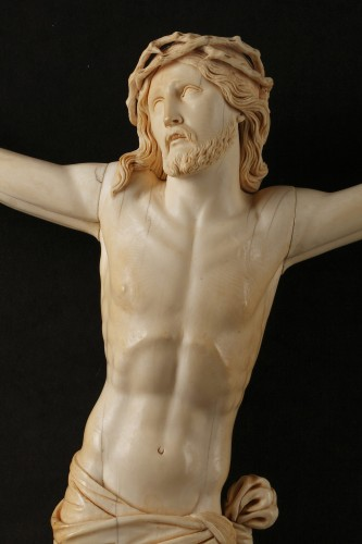 Louis XVI - A 18th century carved ivory figure of the crucified christ