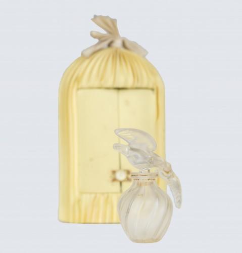 """""""L'air du temps"""" bottle by Marc Lalique"""