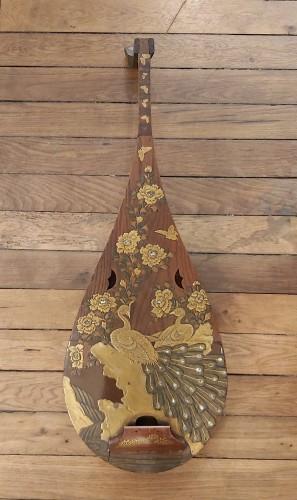 - Luth, Biwa Japan, Meiji Period