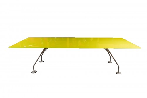 Nomos table - Tecno, design Norman Foster