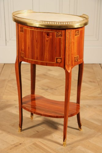 Table ovale, vers 1760 - Transition