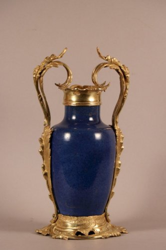 Antiquités - Vase de Chine monté en similor, époque Louis XV