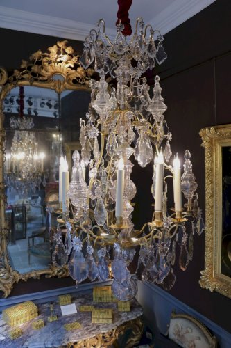 A French Louis XV crystal Chandelier - Lighting Style Louis XV