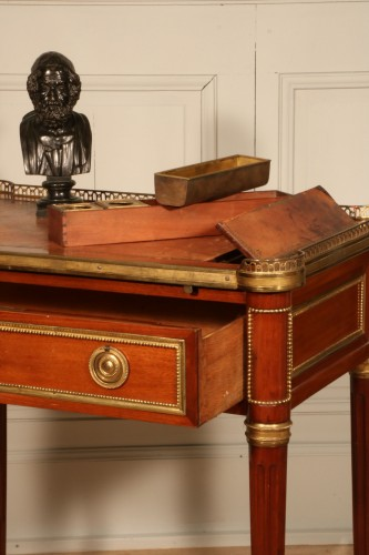 Small Desk With Mechanism Stamped By Georges Kintz - Furniture Style Louis XVI