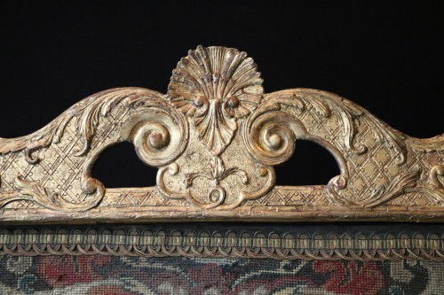 Furniture  - Large fire screen in gilt wood