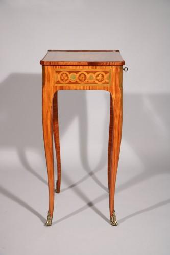 Furniture  - Small inlaid table stamped Nicolas Petit