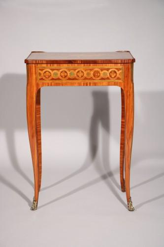 Small inlaid table stamped Nicolas Petit -