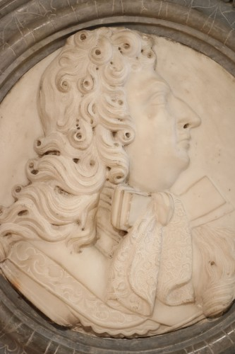 Medallion representing Louis XIV in profile - Sculpture Style Louis XIV
