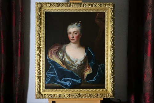 -Portait of a lady of quality -  Workshop of Hyacinthe Rigaud (1659-1743) - Paintings & Drawings Style Louis XV