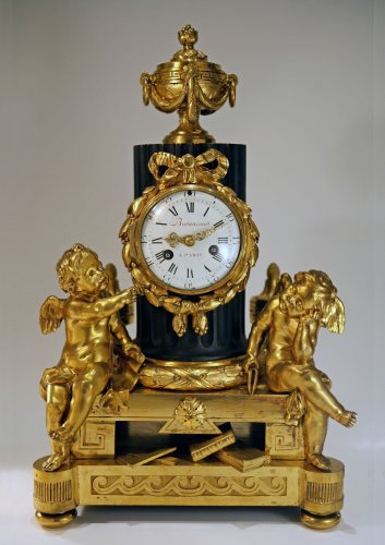 An important mantel clock signed OSMOND - Paris circa 1775