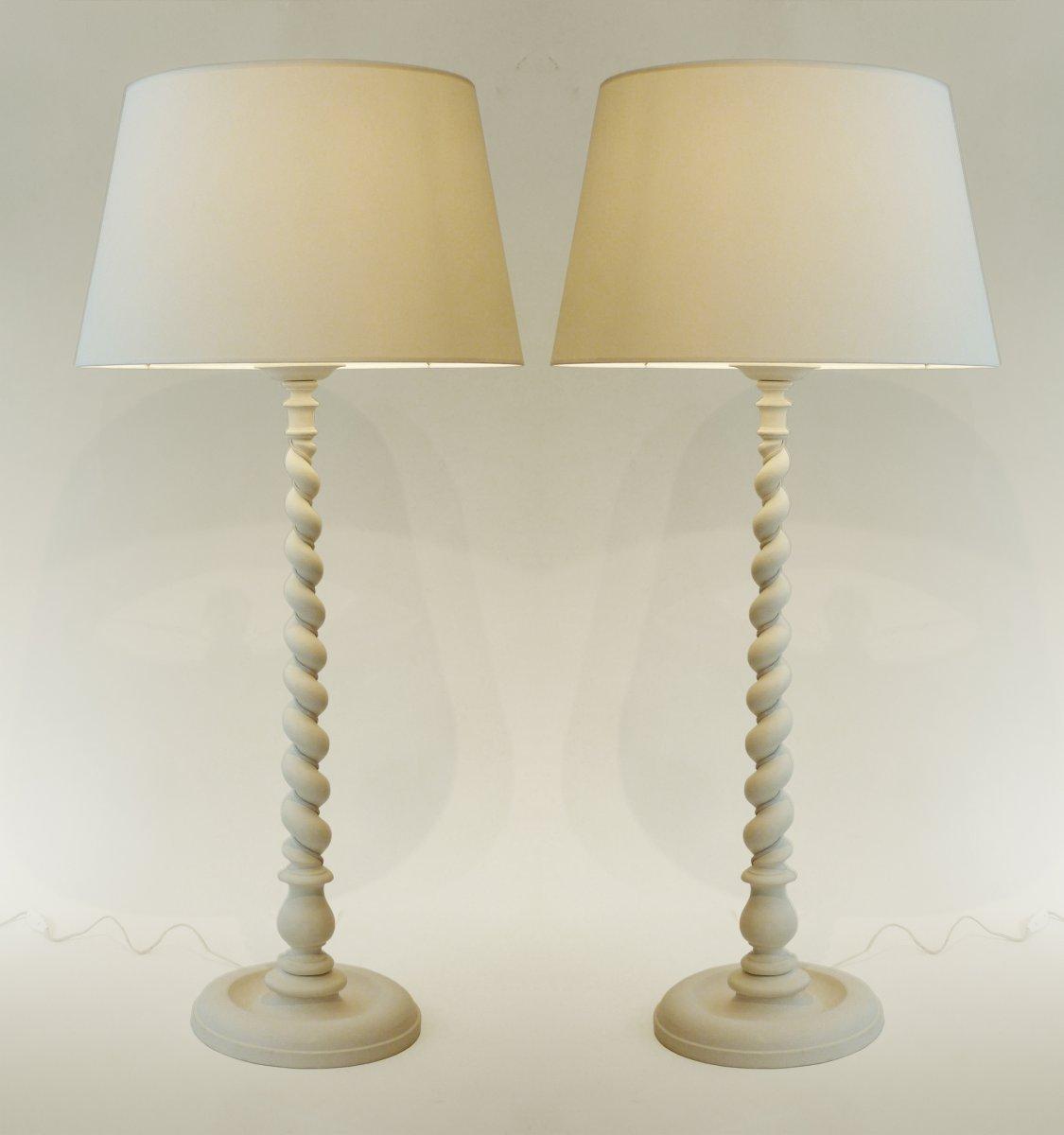 Paire de grandes lampes d 39 poque art d co en bois tourn for Objet platre deco