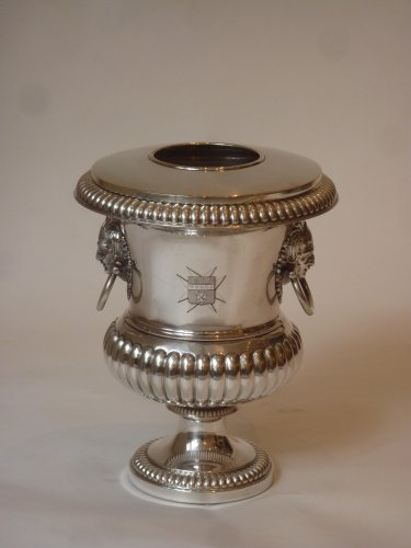19th century - A pair of silver-plate urn-form wine coolers circa 1830
