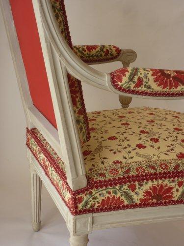 Seating  - A pair of large Louis XVI fauteuils à la reine