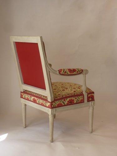 A pair of large Louis XVI fauteuils à la reine - Louis XVI