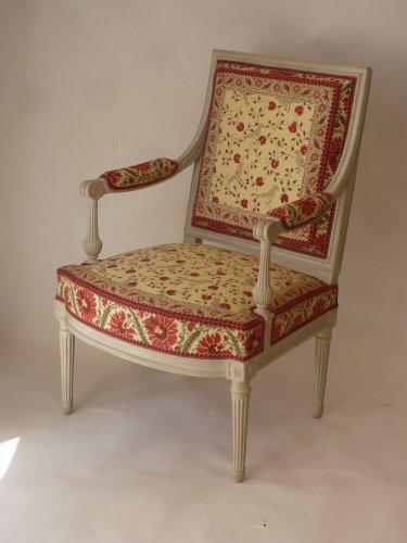 Louis XVI - A pair of large Louis XVI fauteuils à la reine
