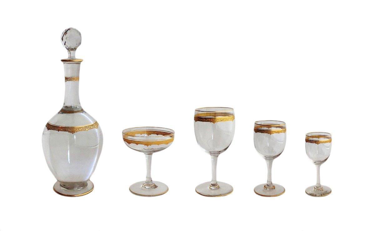 saint louis service de verres en cristal grav et dor 68 pi ces xxe si cle. Black Bedroom Furniture Sets. Home Design Ideas