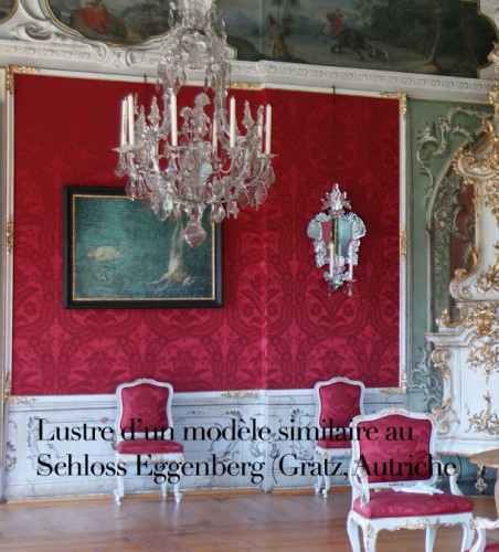 Antiquités - A large Maria Theresia eight-light Bohemian crystal chandelier.