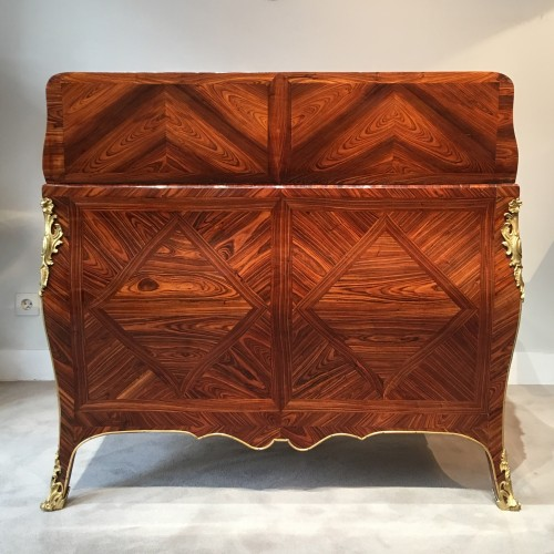 Furniture  - A fine Louis XV desk signed Migeon