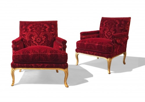 A pair of Louis XV giltwood marquises signed Heurtaut