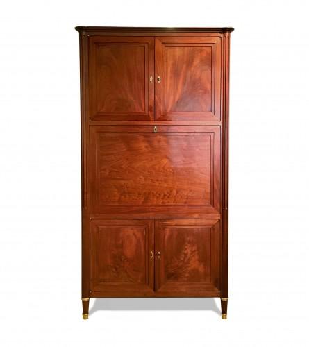 A Louis XVI solid mahogany secrétaire à abattant signed Magnien - Furniture Style Louis XVI