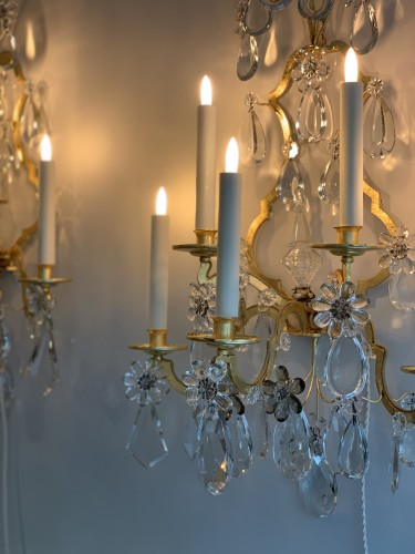 A pair of gilded and glass wall-lights - Maison Baguès -