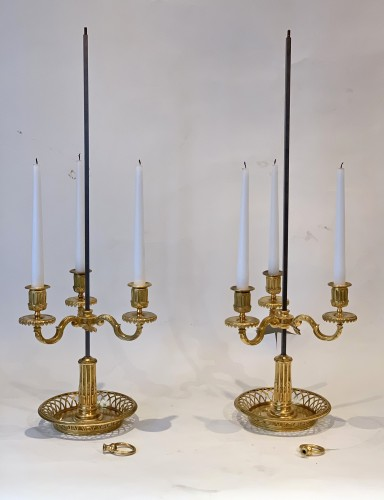 18th century - A pair of French gilt bronze and painted tole bouillotte lamps