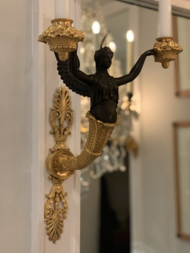 Antiquités - A pair of two-light Empire ormolu wall-lights attributed to Claude Galle