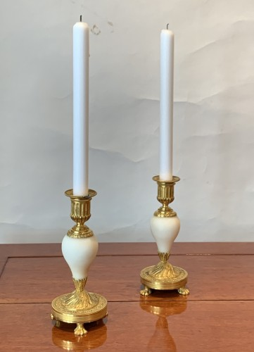 Antiquités - A pair of Louis XVI ormolu mounted Carrara marble candlesticks