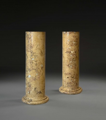 A pair of scagliola columns. First quater 19th century - Decorative Objects Style