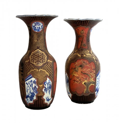 A pair of Arita lacquered porcelain vases. Japan Meiji period