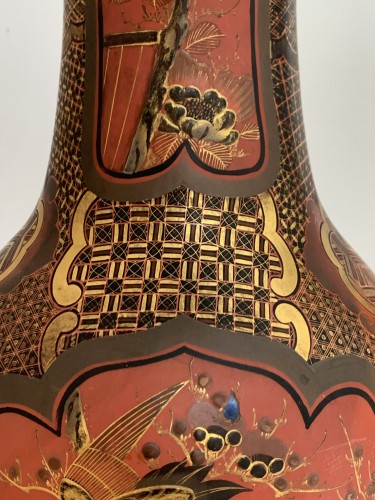 A pair of Arita lacquered porcelain vases. Japan Meiji period - Asian Works of Art Style