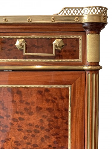 Antiquités - A Louis XVI ormolu mounted mahogany secretaire attributed to Molitor