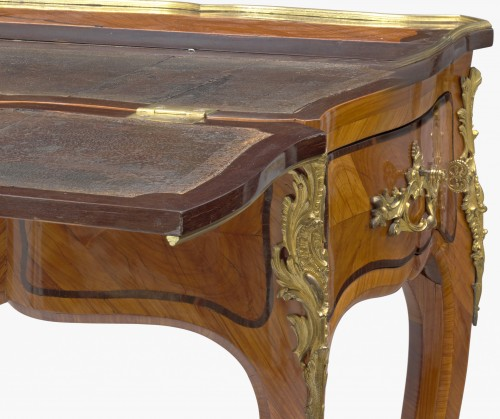 18th century - A Louis XV ormolu-mounted tulipwood and amaranth desk