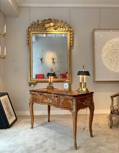 Louis XV - A Louis XV ormolu-mounted tulipwood and amaranth desk