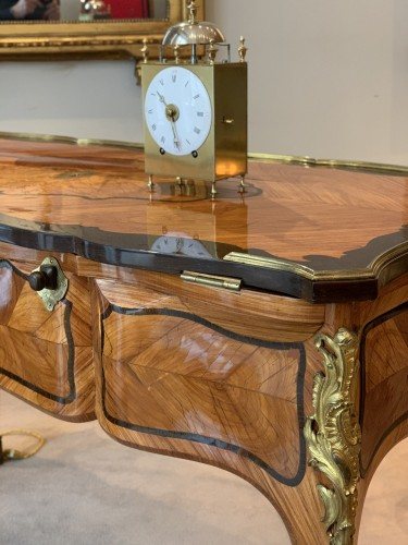 Antiquités - A Louis XV ormolu-mounted tulipwood and amaranth desk