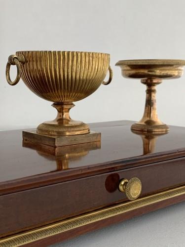 An Empire ormolu mounted mahogany inkstand - Decorative Objects Style