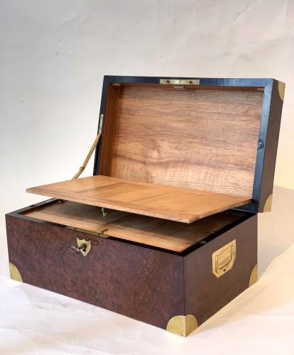 19th century - A brass inlaid and gilded bronze Empire amboyna burl casket