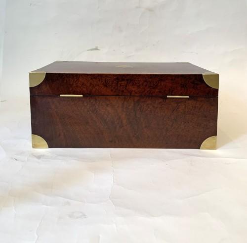 Antiquités - A brass inlaid and gilded bronze Empire amboyna burl casket