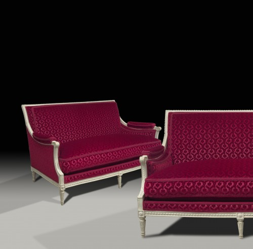 Louis XVI - A pair of Louis XVI canapés attributed to Georges Jacob