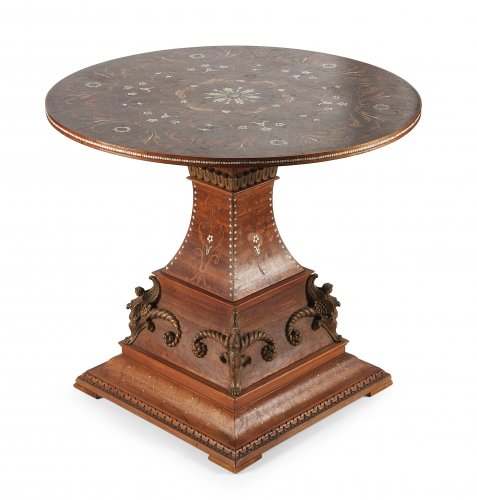 Pedestal table inlaid