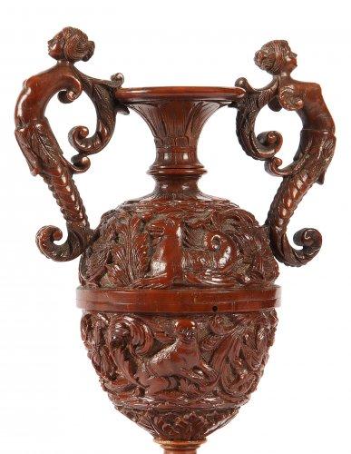 19th century - Vase en noix de Corozo