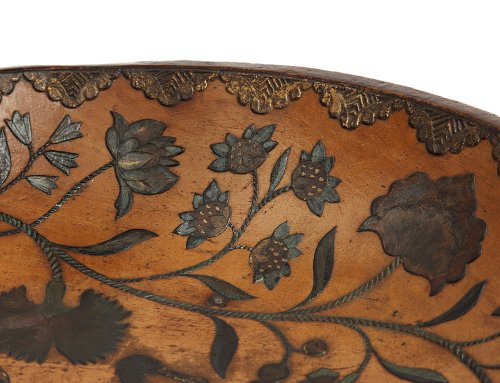 Tray - Batea, Lacquer and gold on wood, 18th century -