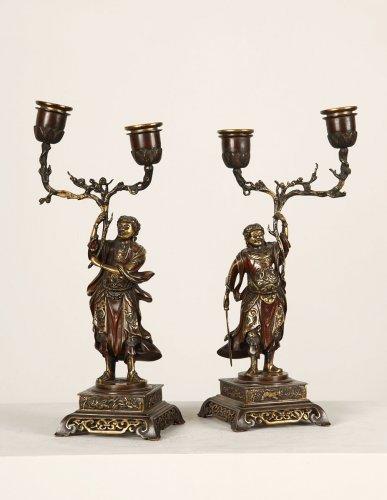 Pair of bronze candlesticks, oriental style - Lighting Style